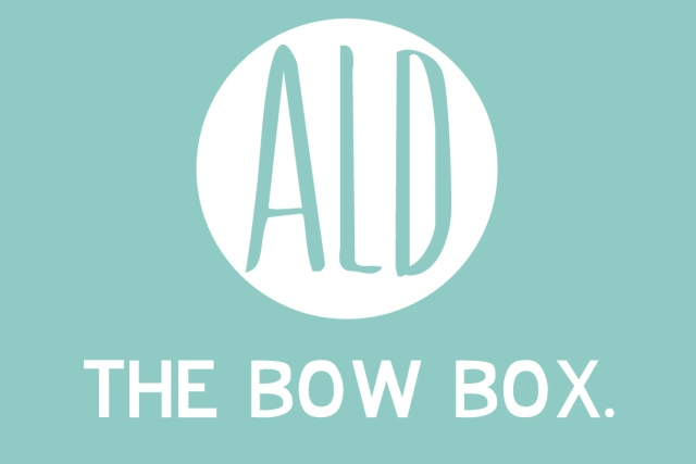 A Little delight, bow subscription box